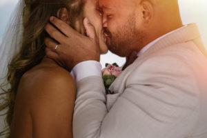 wedding kiss Como Lake